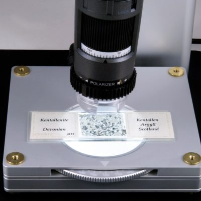 The BL-ZW1 microscope backlight accessory by Dino-Lite